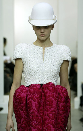 Balenciaga by Nicolas Ghesqui�re