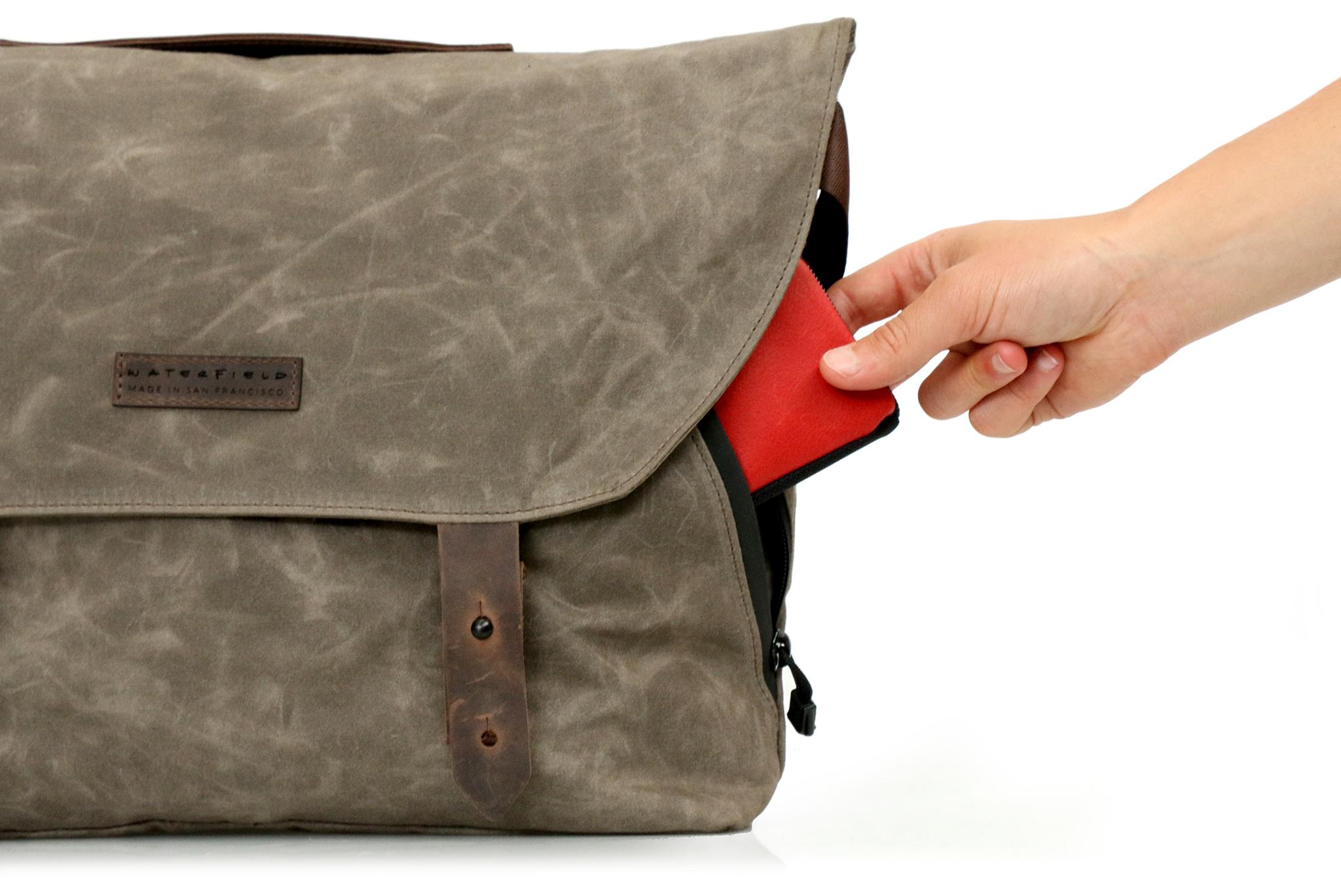 Vitesse-Messenger-side-pocket