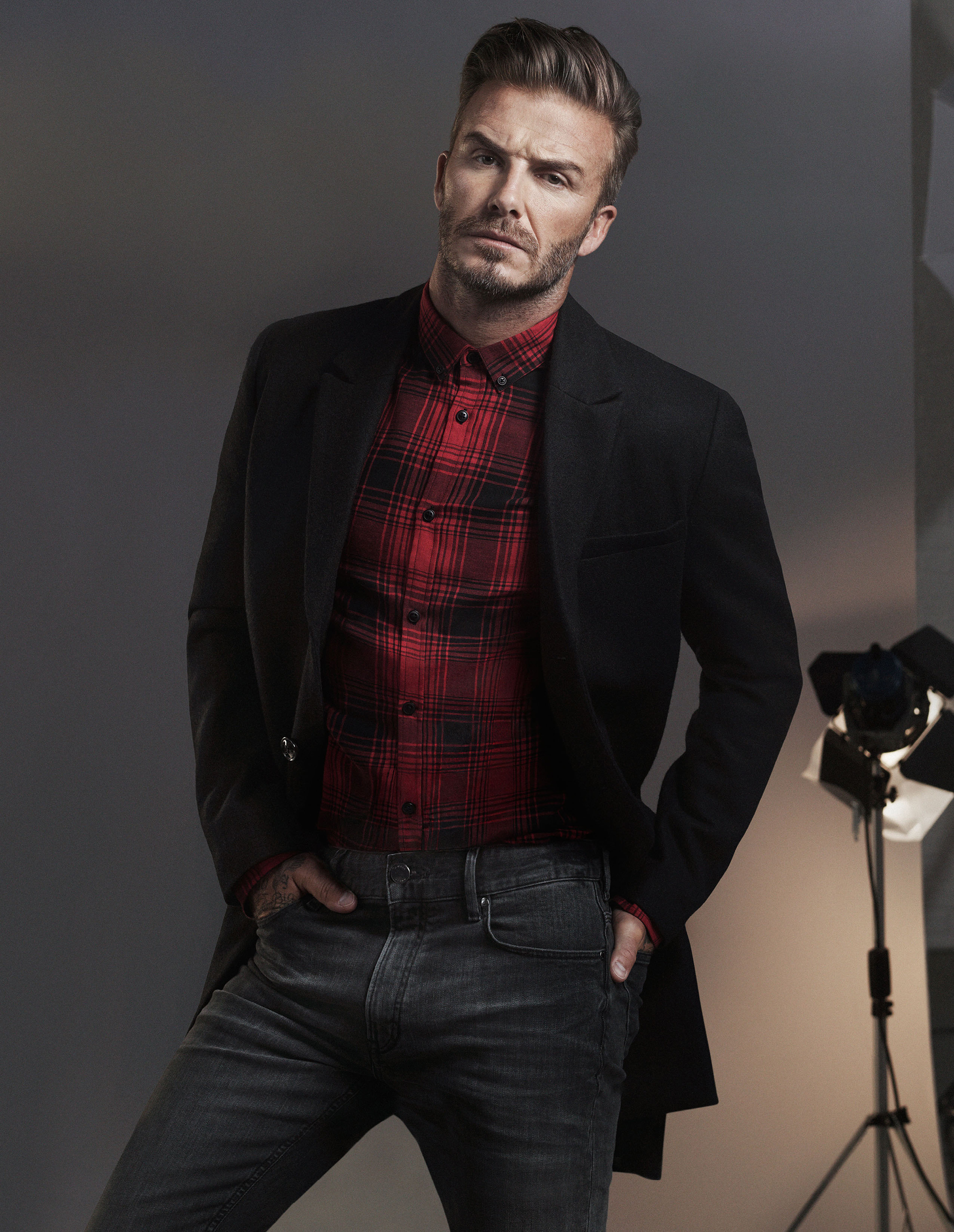 david beckham and kevin hart star in new h m campaign fashion trendsetter. Black Bedroom Furniture Sets. Home Design Ideas