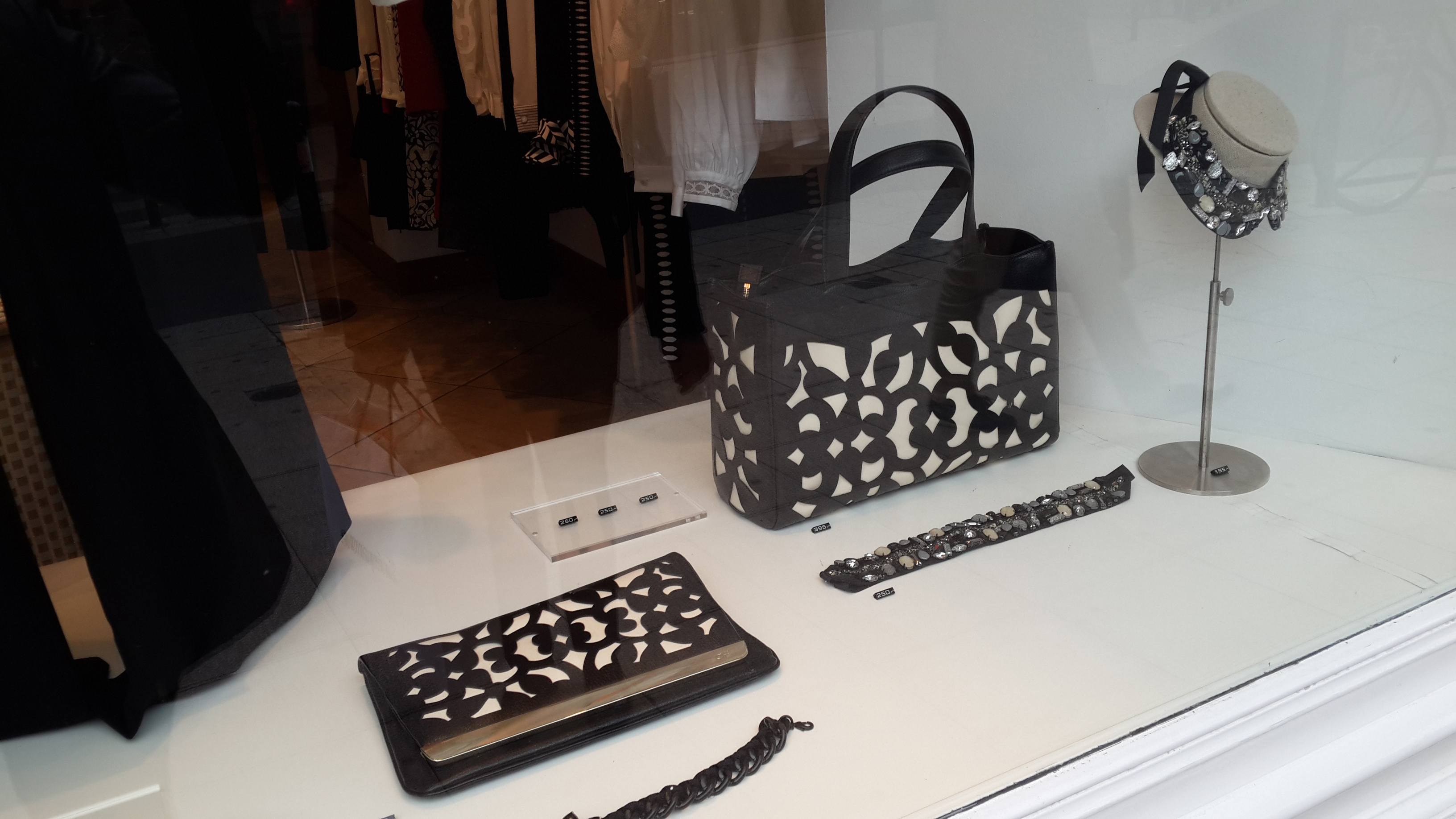 Bordeaux-France-Trip-Fashion-11