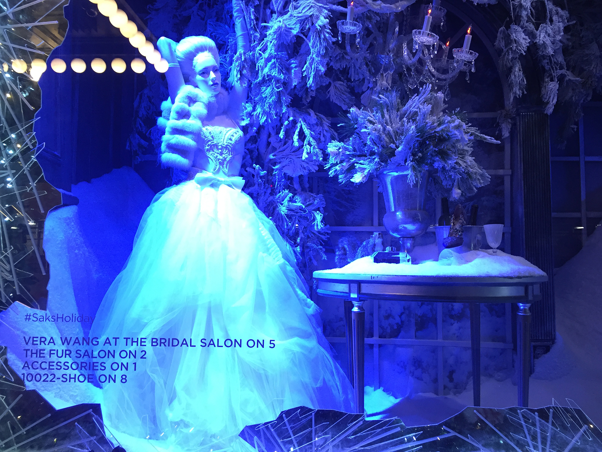 Saks-5th-Ave-Holiday-Windows-02