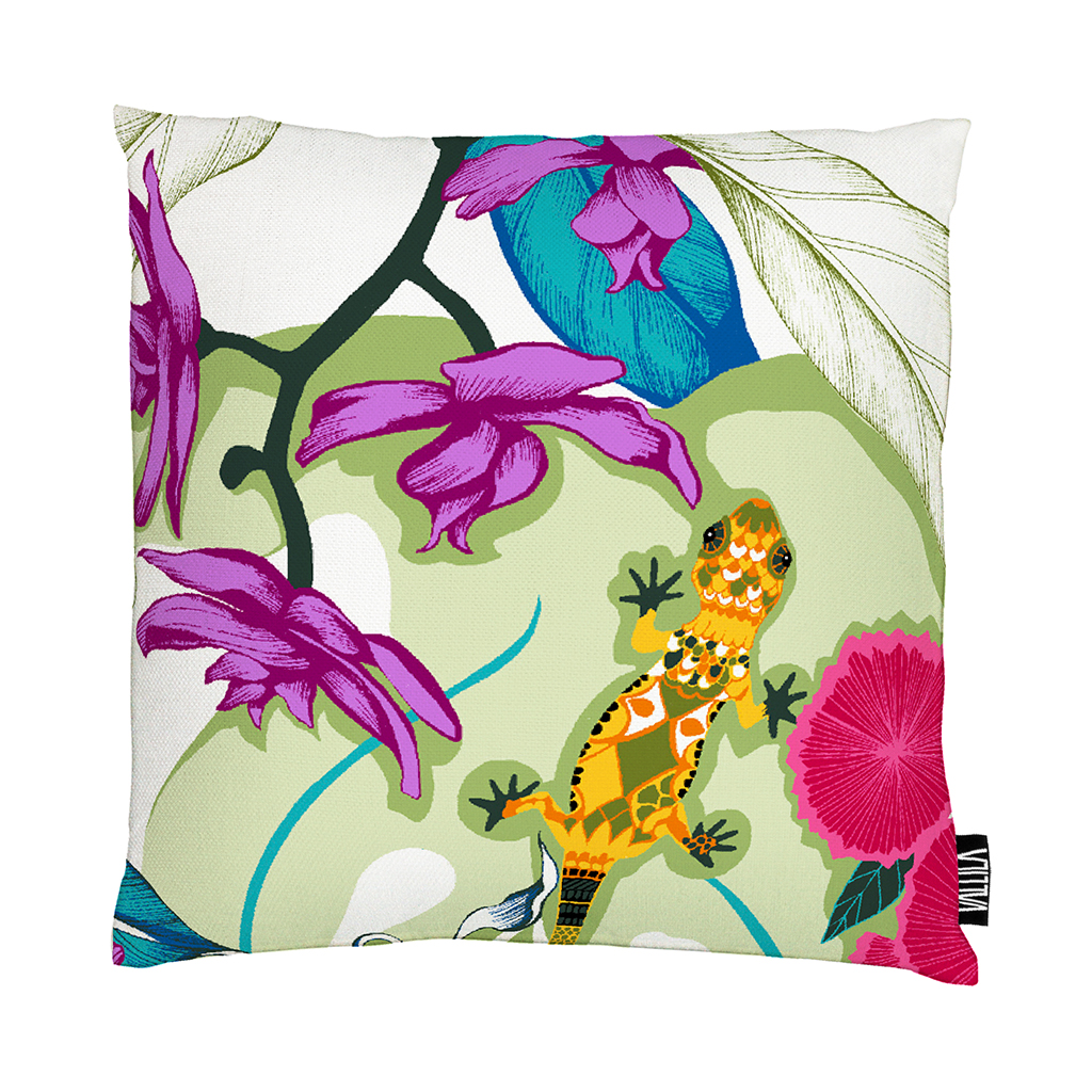 Vallila-SS16-Fruity-Kameleontti-Cushion-01-Saara-Kurkela