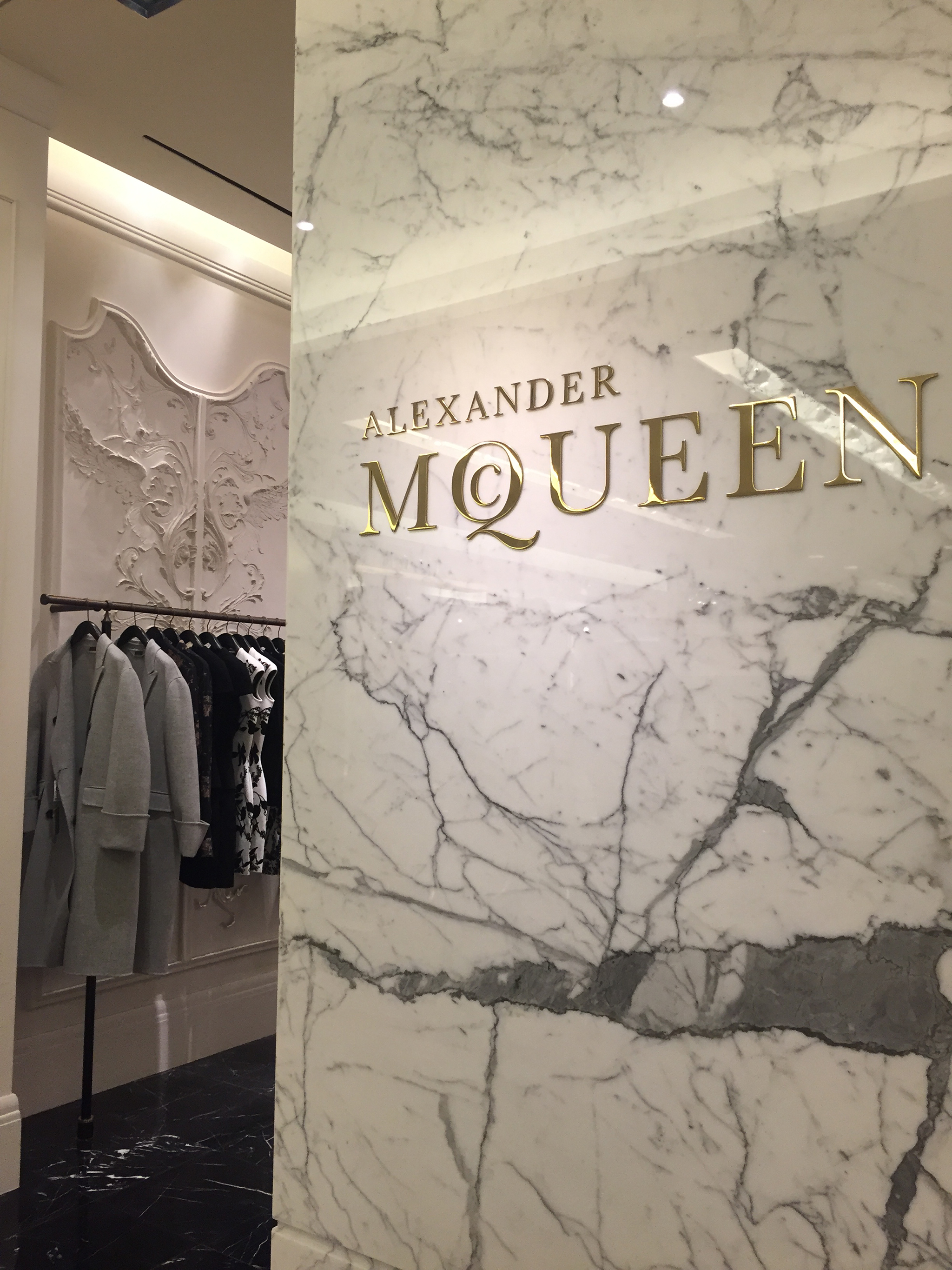 Alexander-Mc-Queen-01