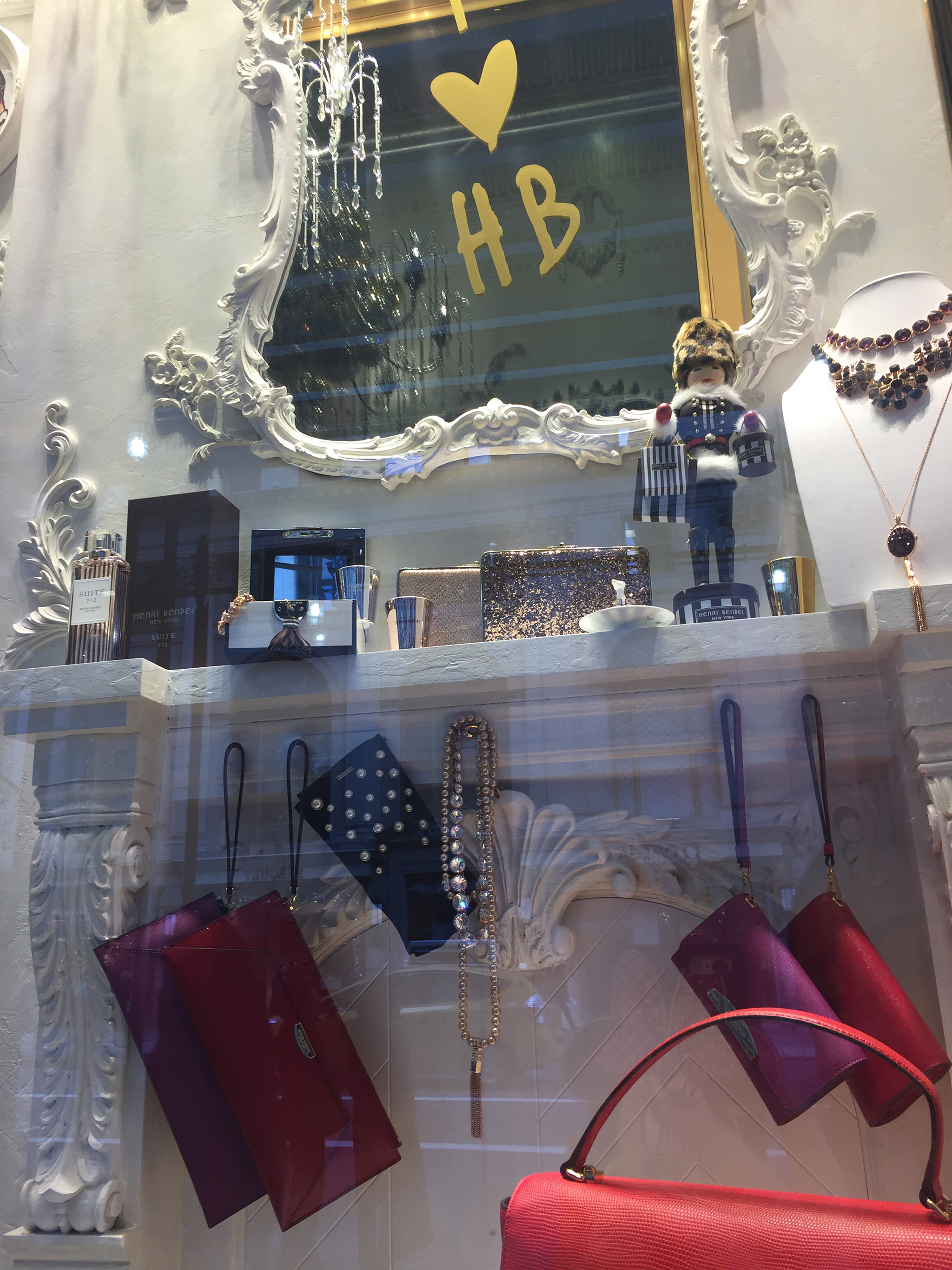 Henri-Bendel-Holiday-2015-05