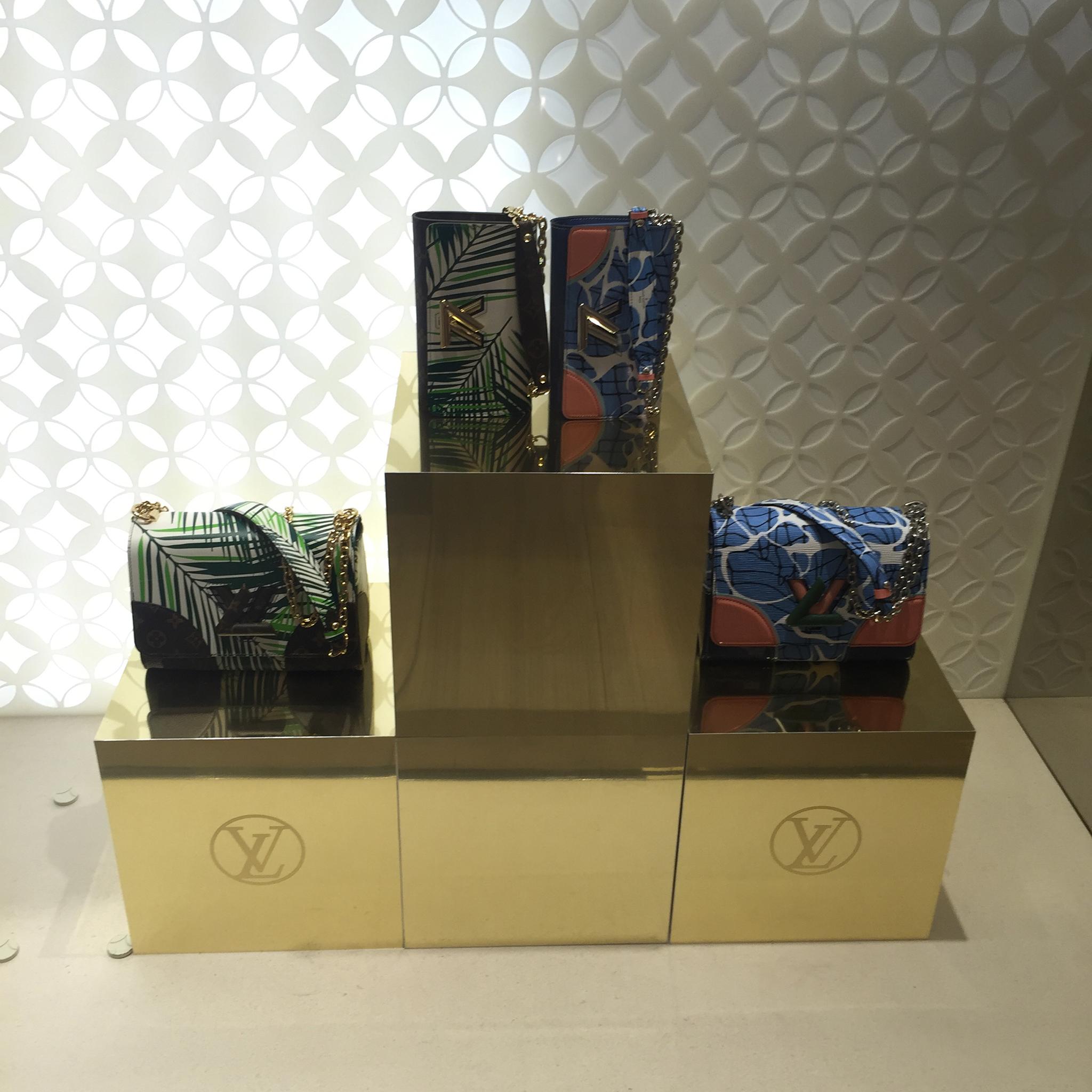 Louis-Vuitton-Saks-5th-Ave-02