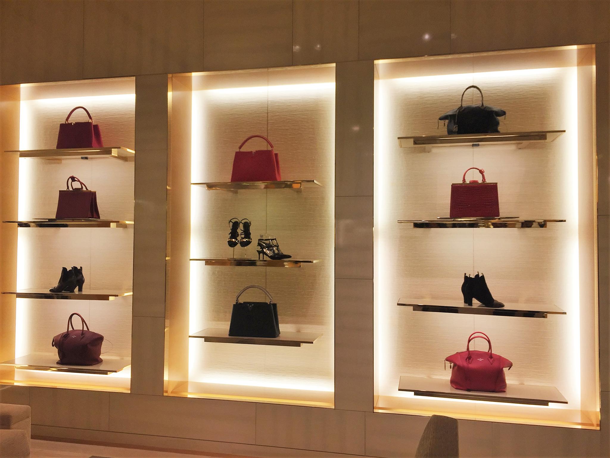 Louis-Vuitton-Saks-5th-Ave-03