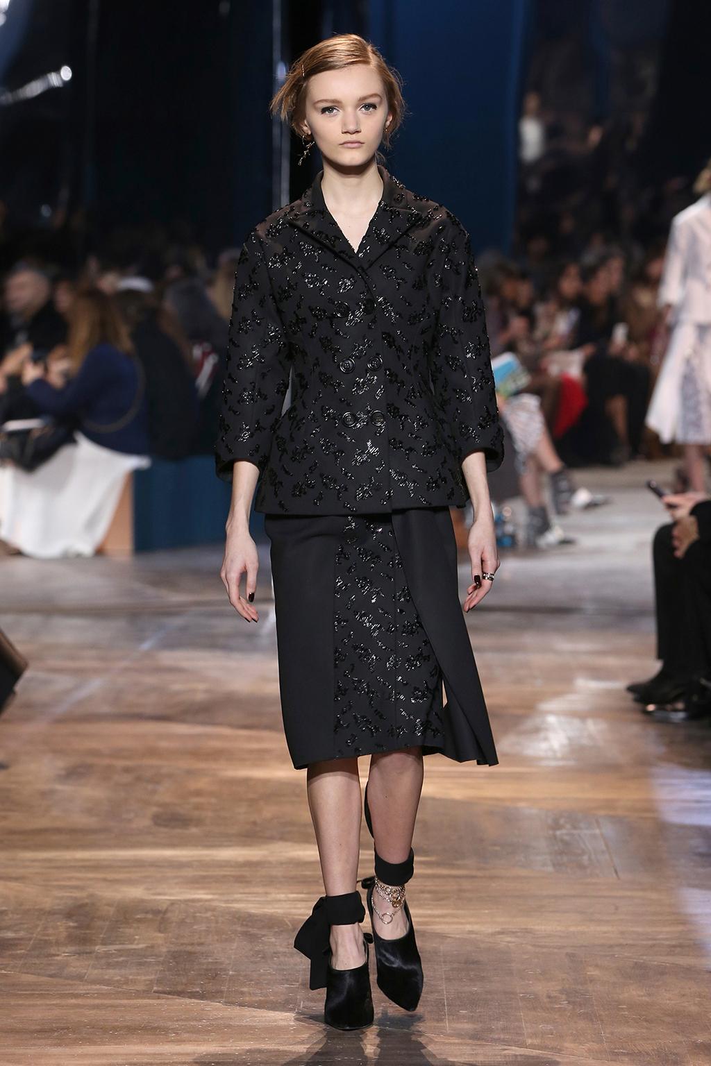 Dior-Couture-Silhouette-05