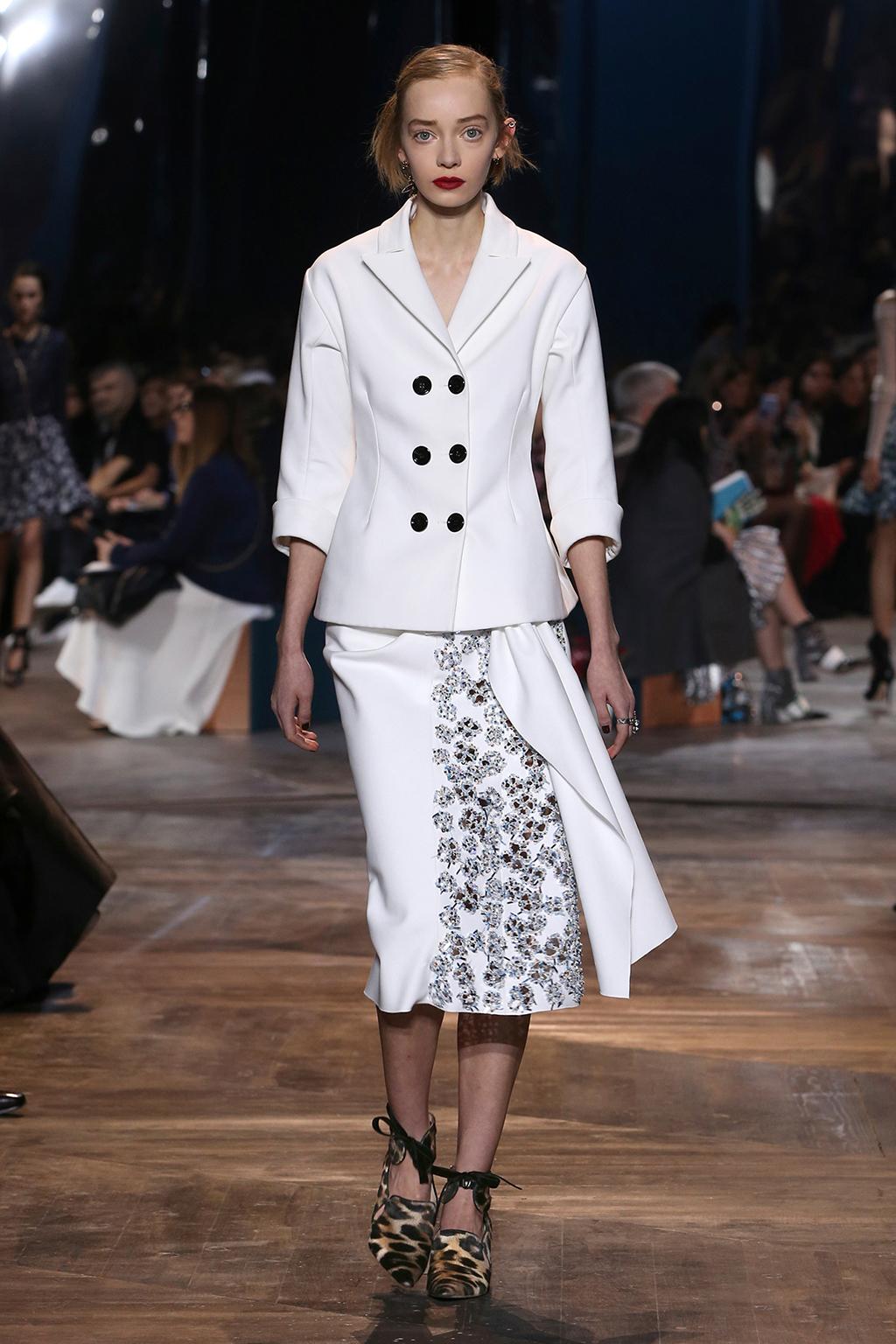 Dior-Couture-Silhouette-06