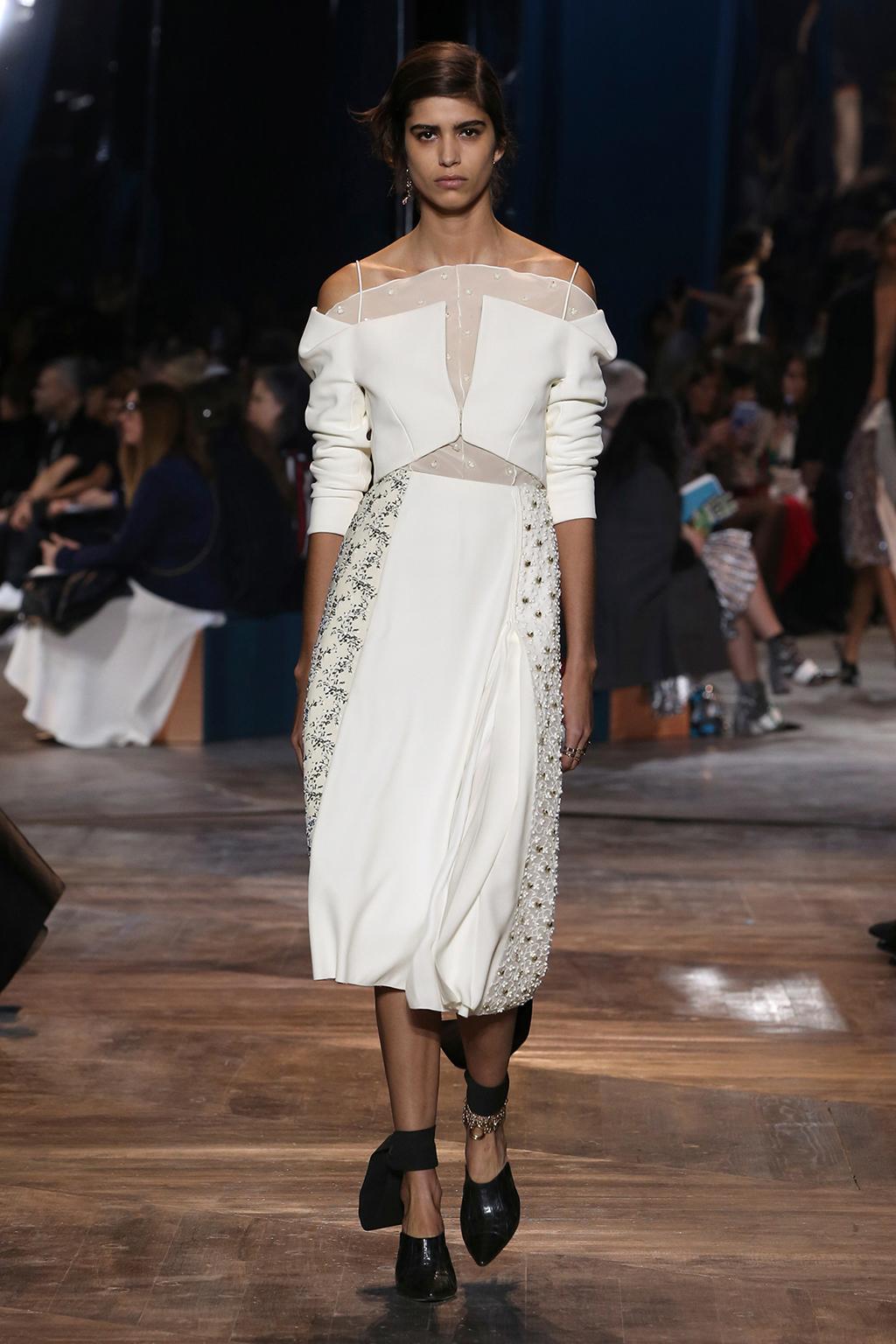 Dior-Couture-Silhouette-07