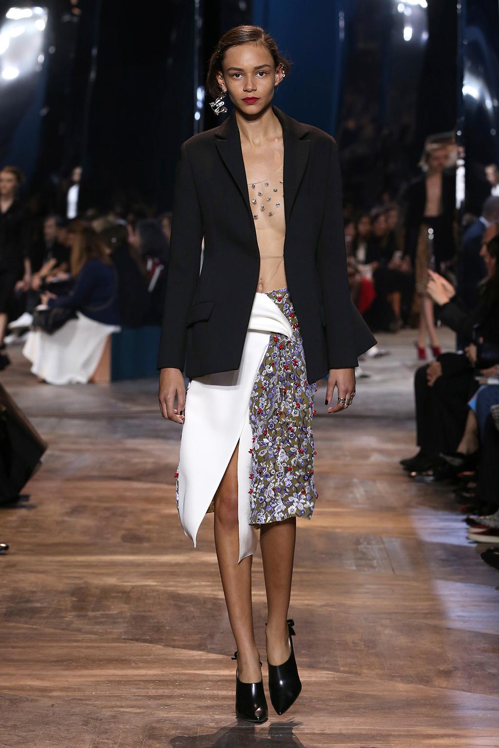 Dior-Couture-Silhouette-08
