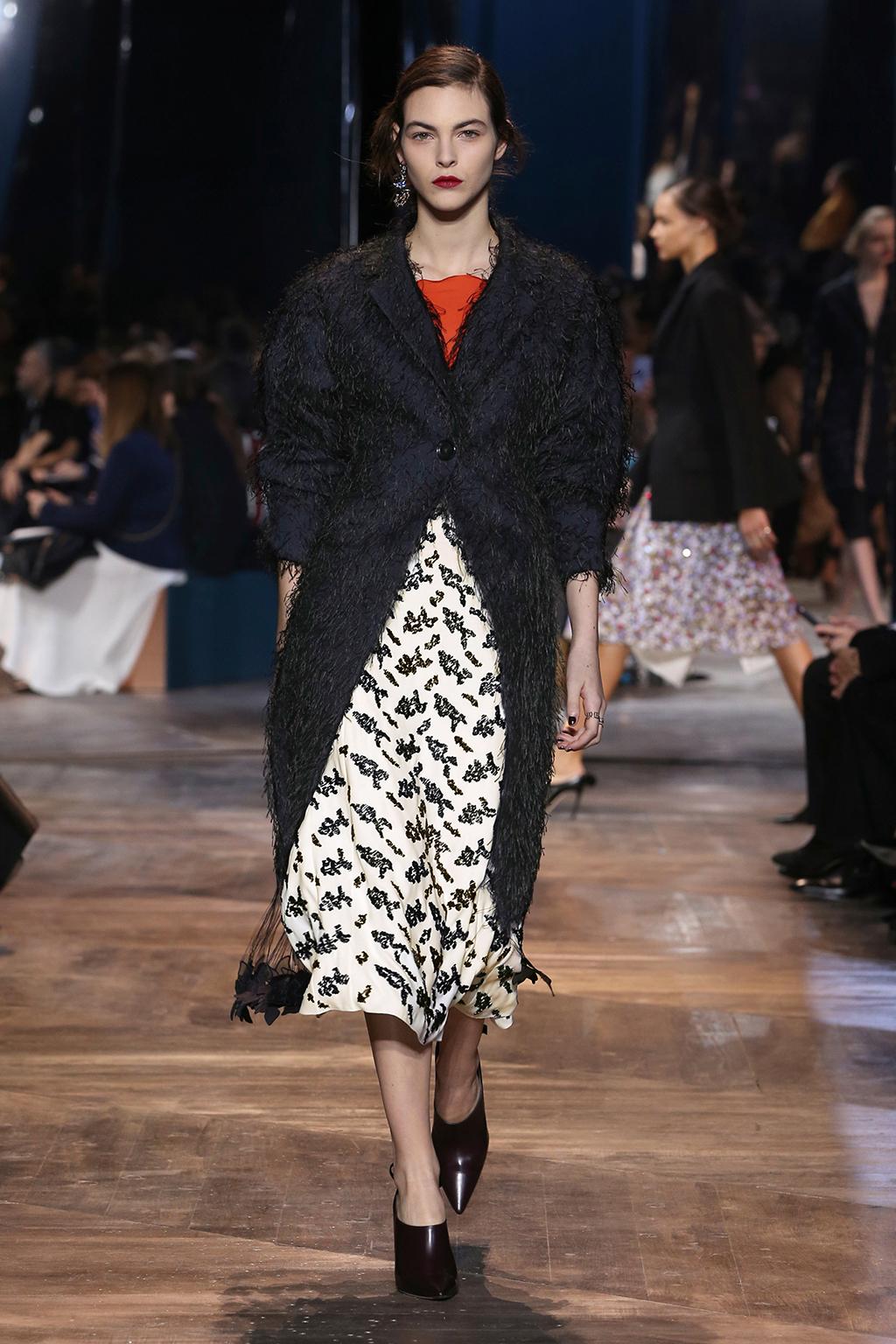 Dior-Couture-Silhouette-10