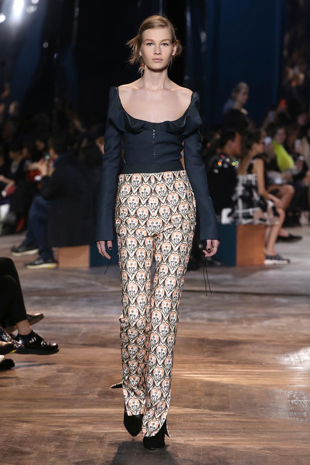 Dior-Couture-Silhouette-13