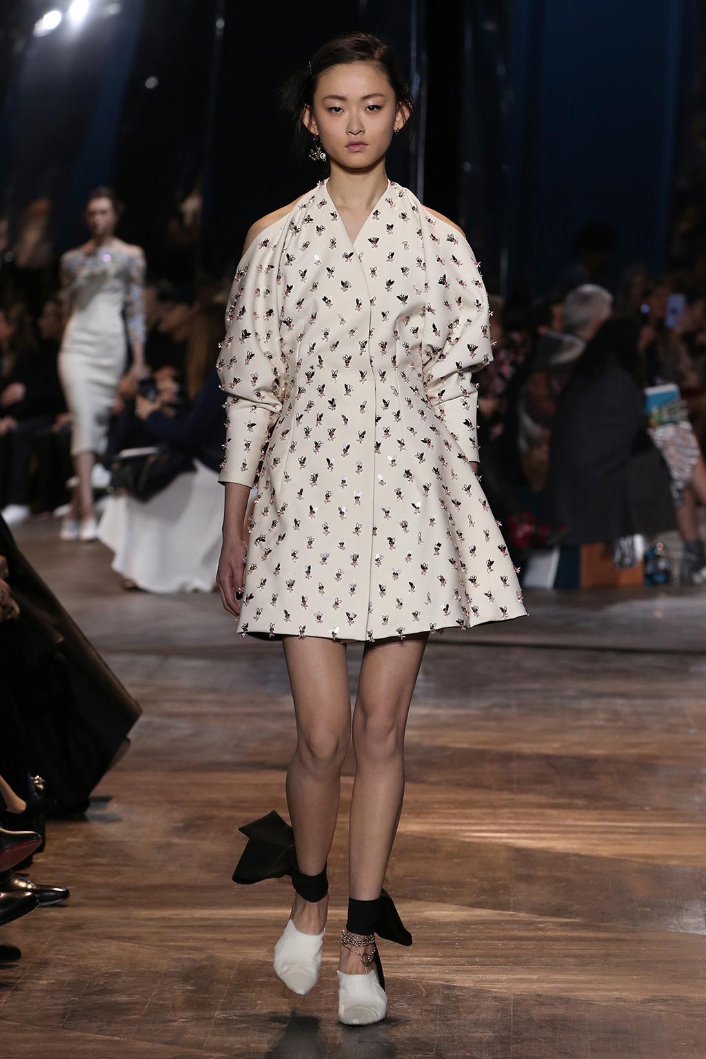 Dior-Couture-Silhouette-16