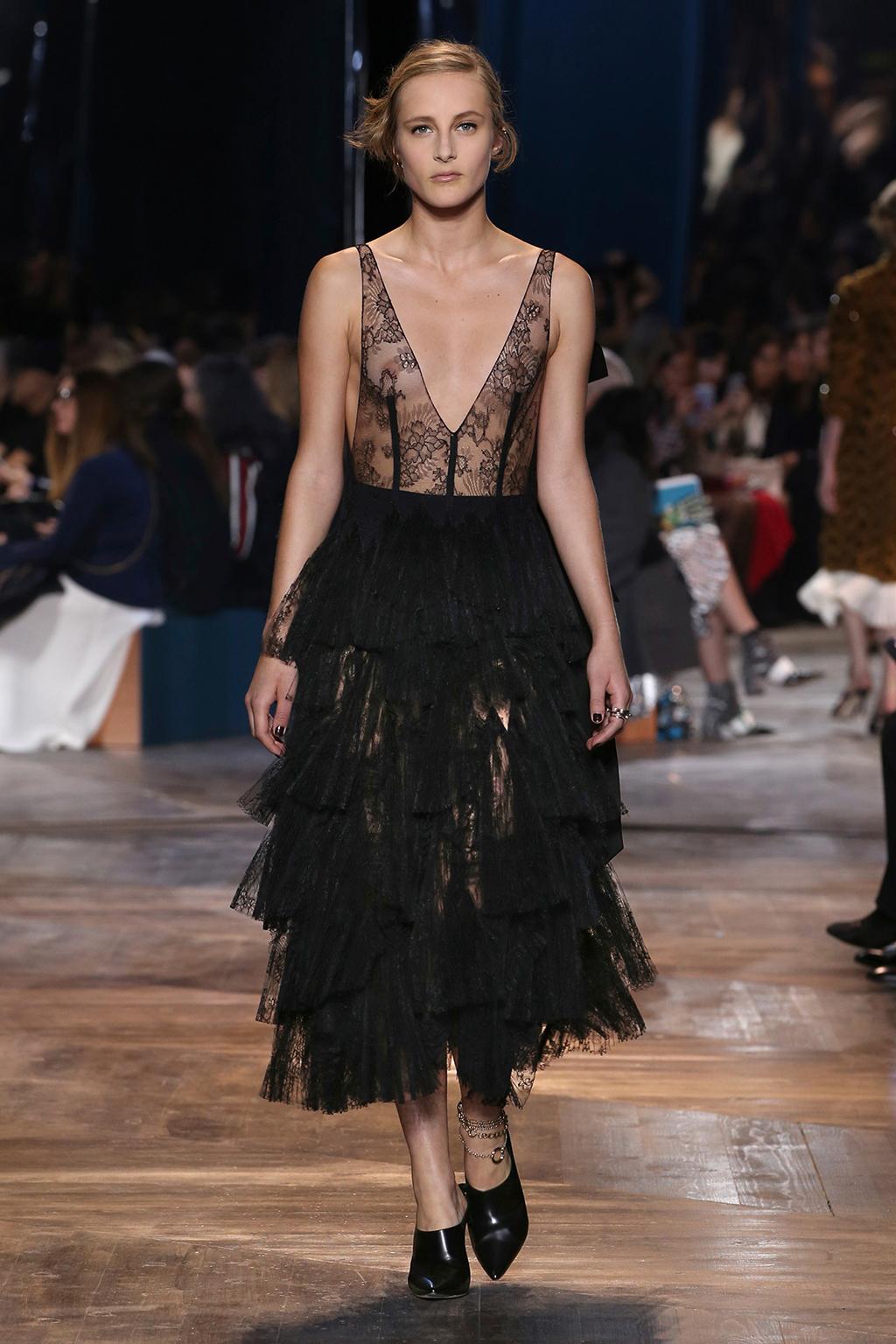 Dior-Couture-Silhouette-19
