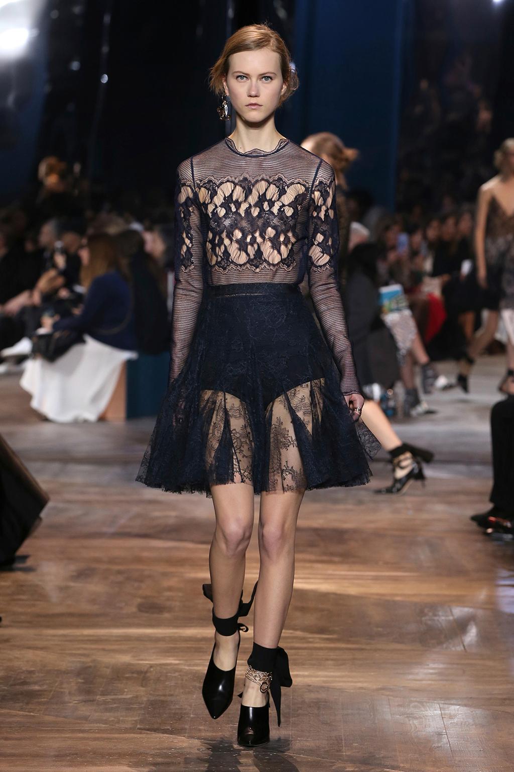 Dior-Couture-Silhouette-20