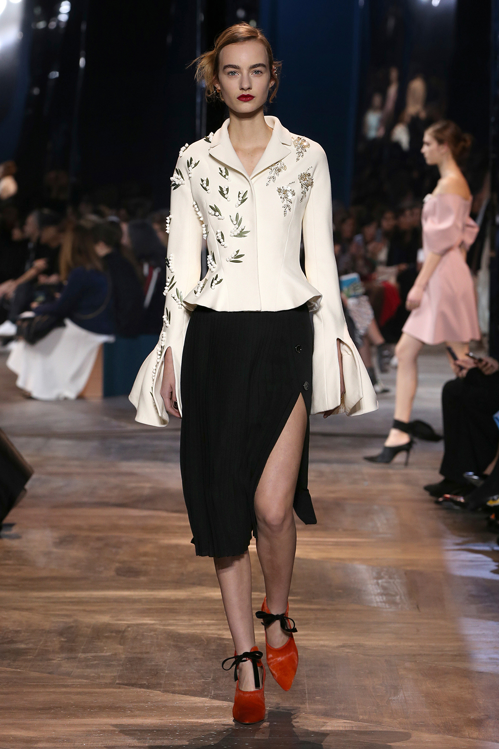 Dior-Couture-Silhouette-24