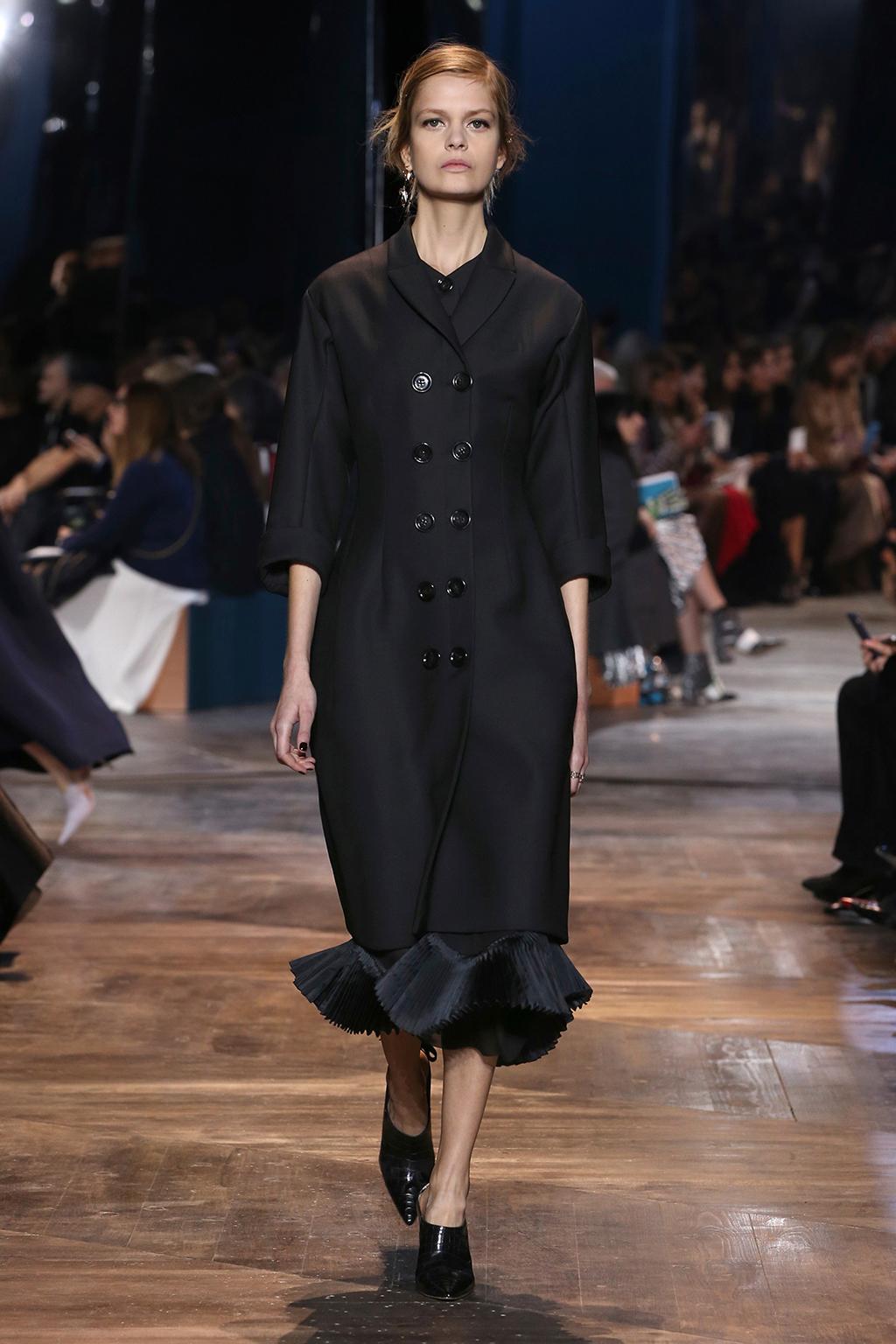 Dior-Couture-Silhouette-25