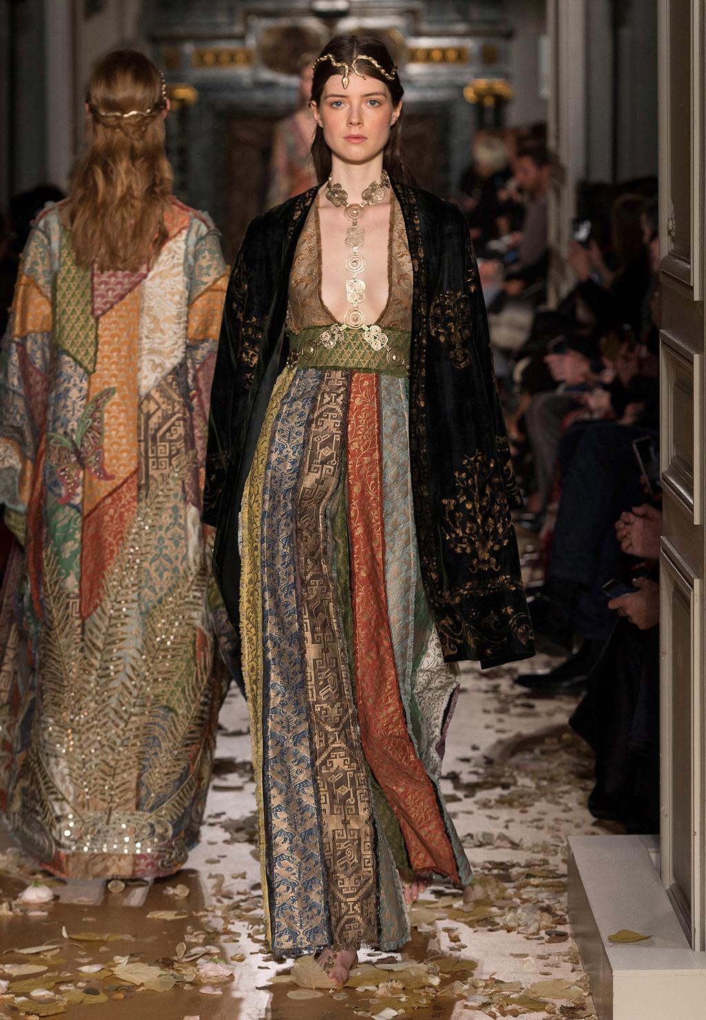 Valentino-Couture-Silhouette-06