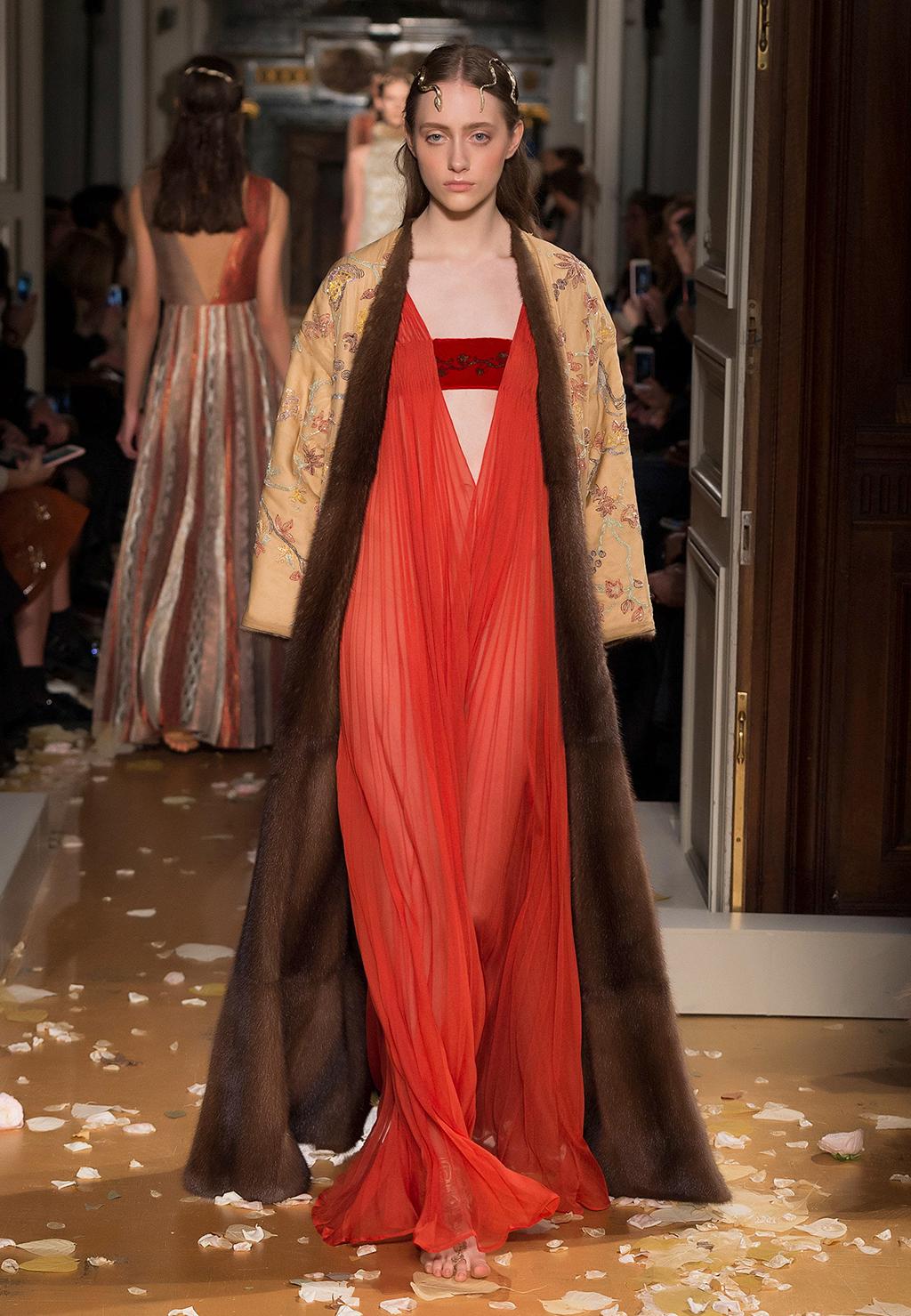Orientalist Fashion Valentino Spring/Summe...