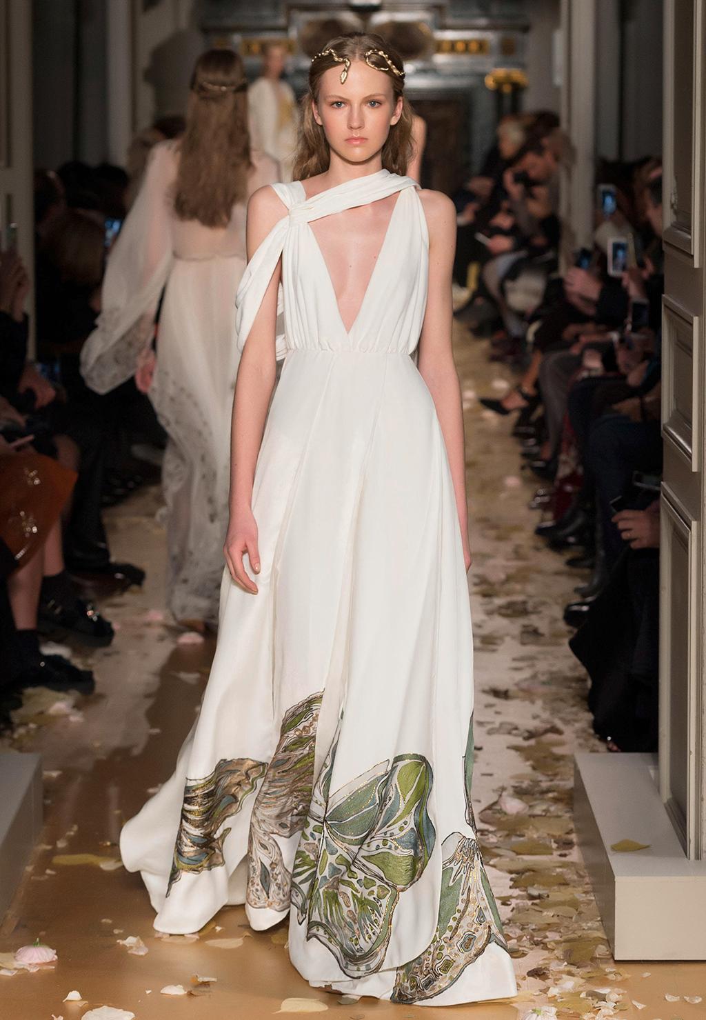 Valentino-Couture-Silhouette-25