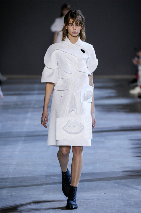 Viktor-Rolf-Couture-Silhouette-02
