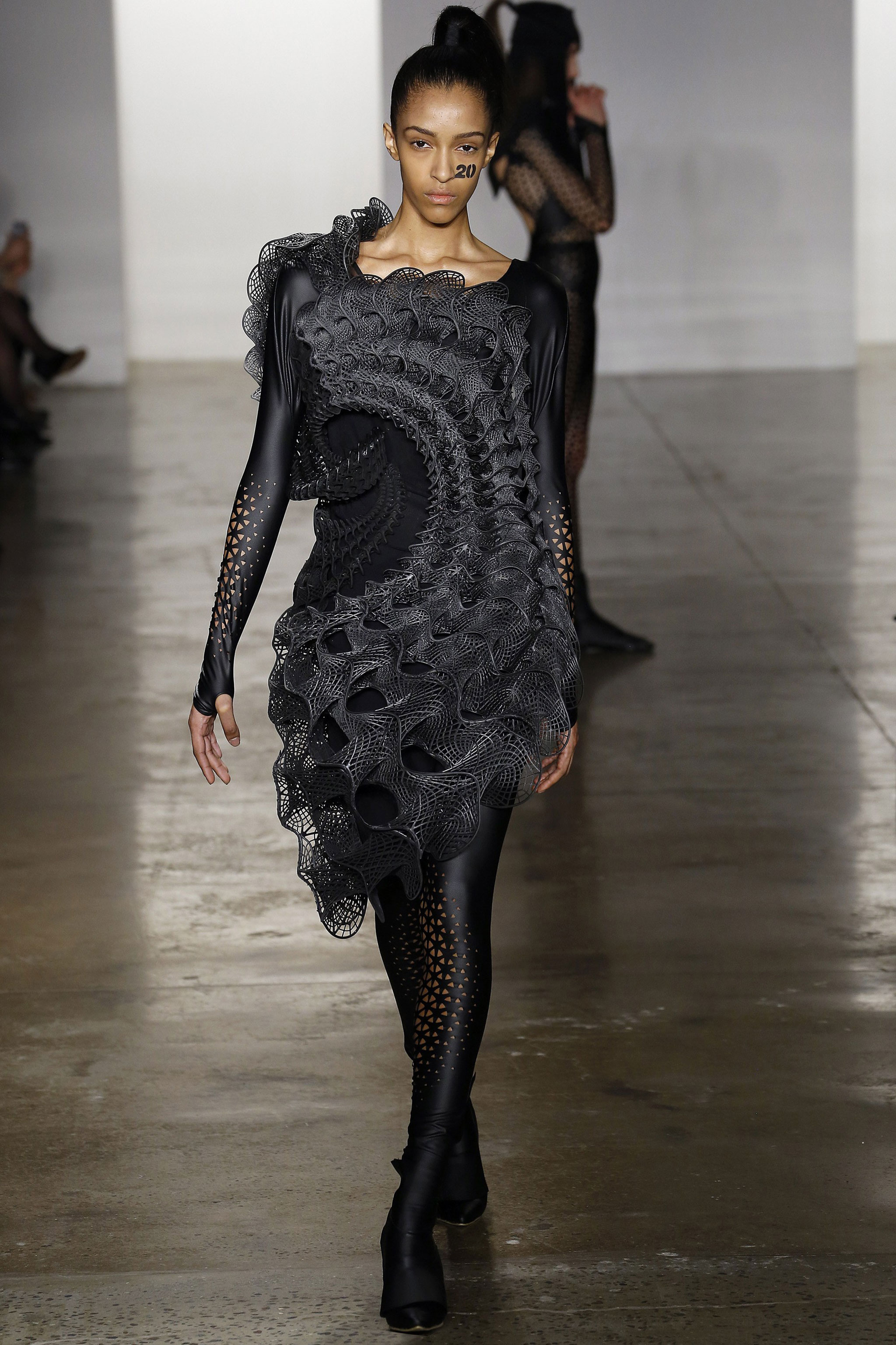 3D-Printed-threeASFOUR-Harmonograph-Dress-2