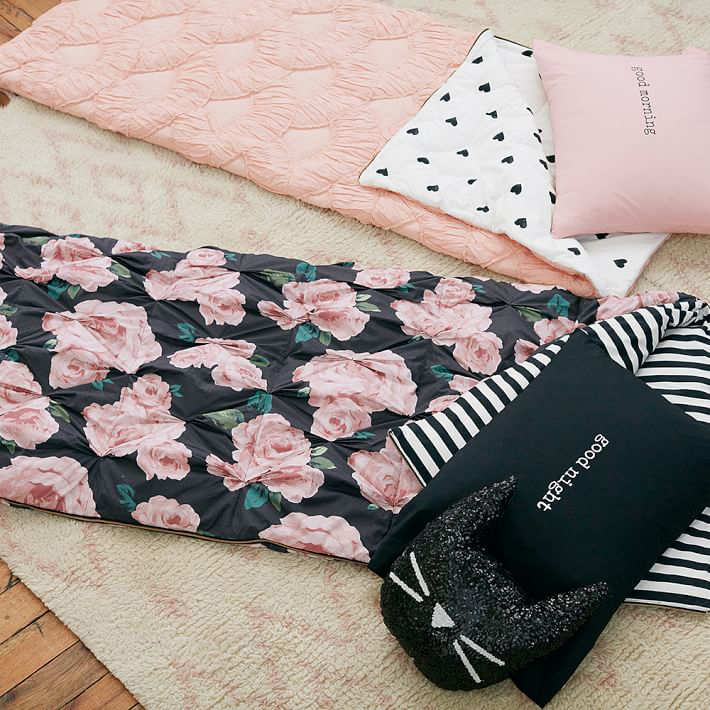 Emily-Meritt-bed-of-roses-sleeping-bag-pillowcase-01