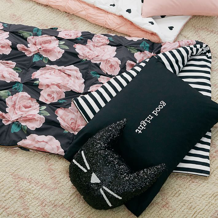 Emily-Meritt-bed-of-roses-sleeping-bag-pillowcase-01a