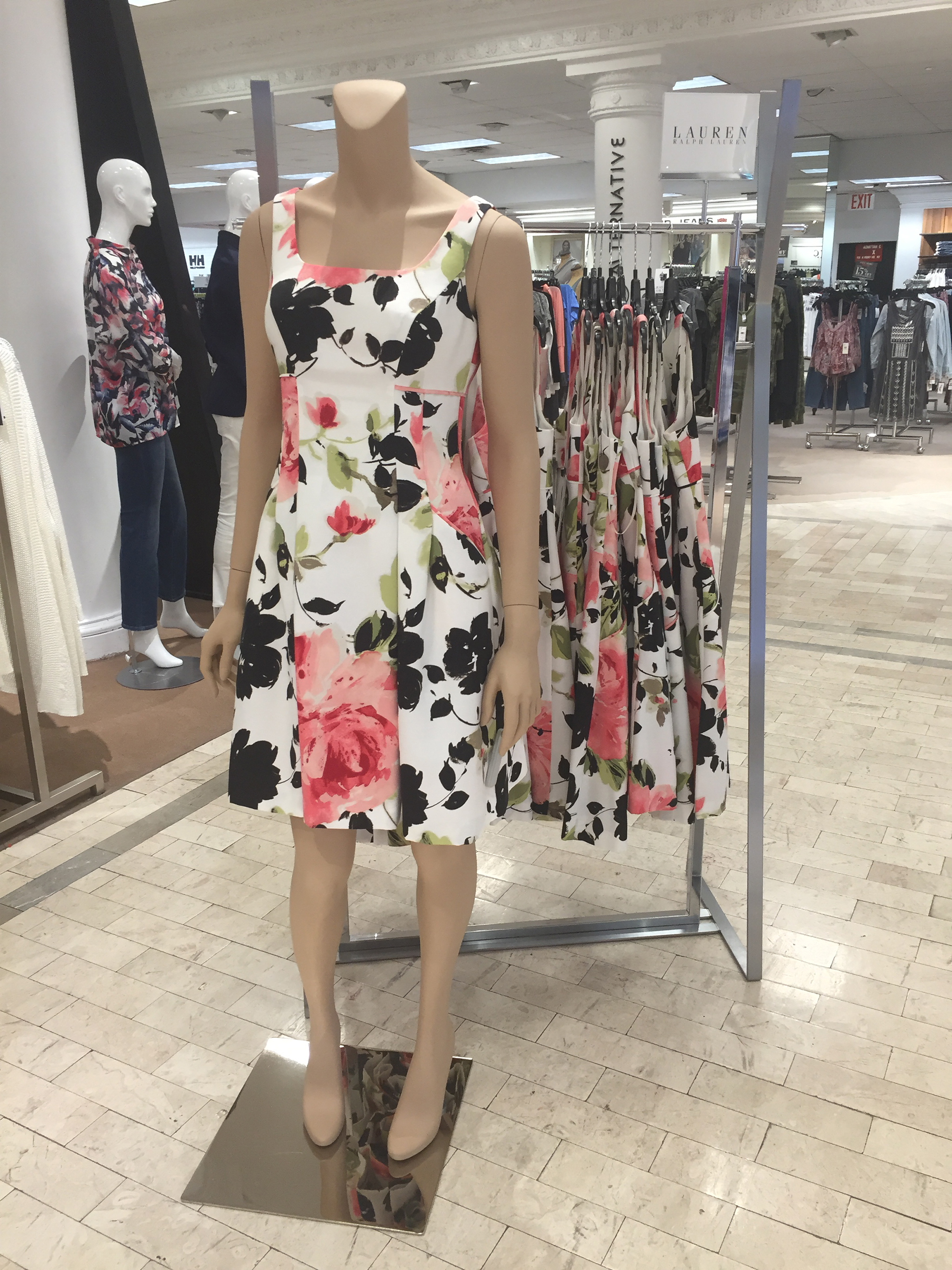 Lord-Taylor-NYC-Store-Spring16-05