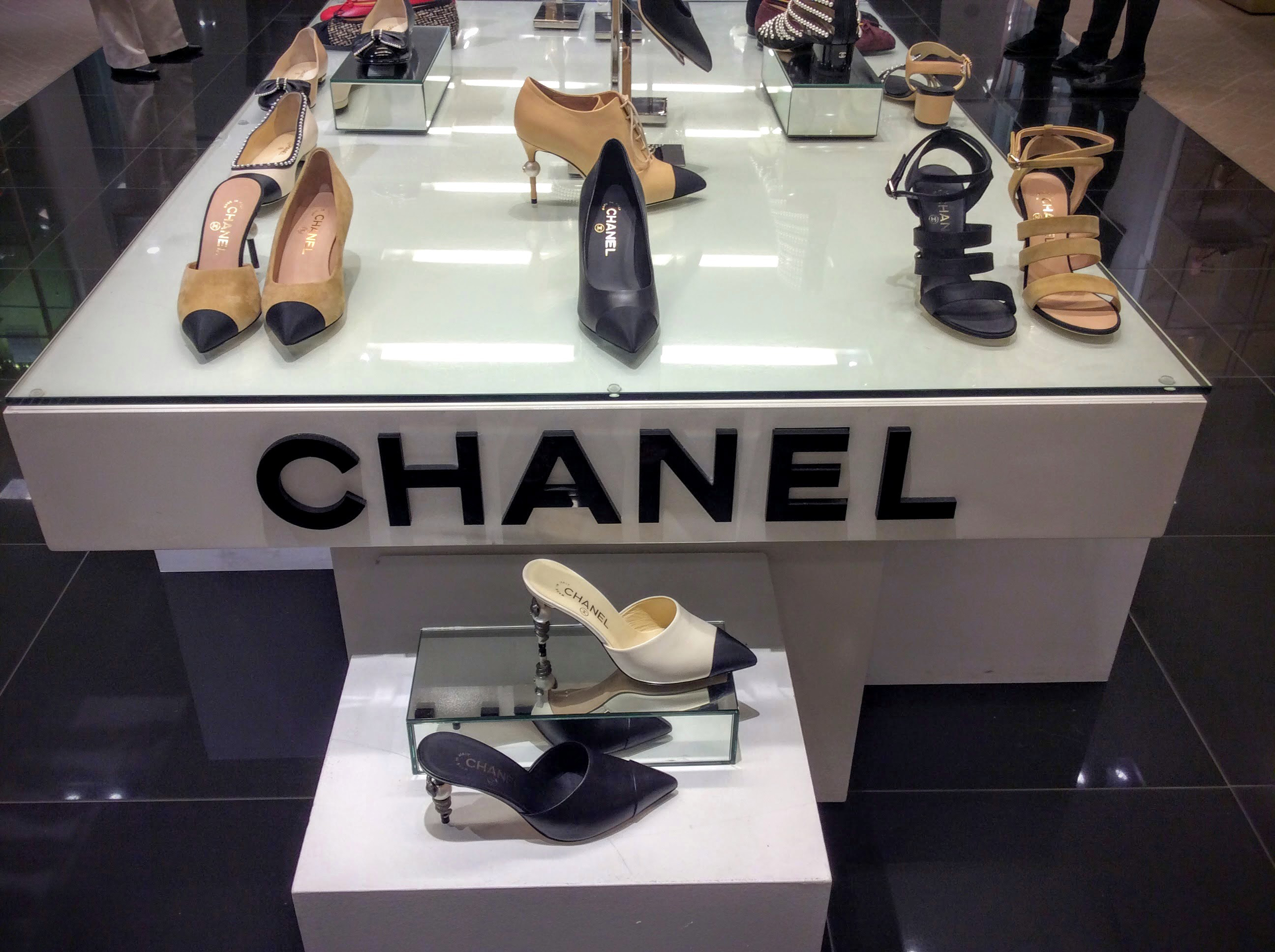 Chanel-Shoes-Bloomingdales-00