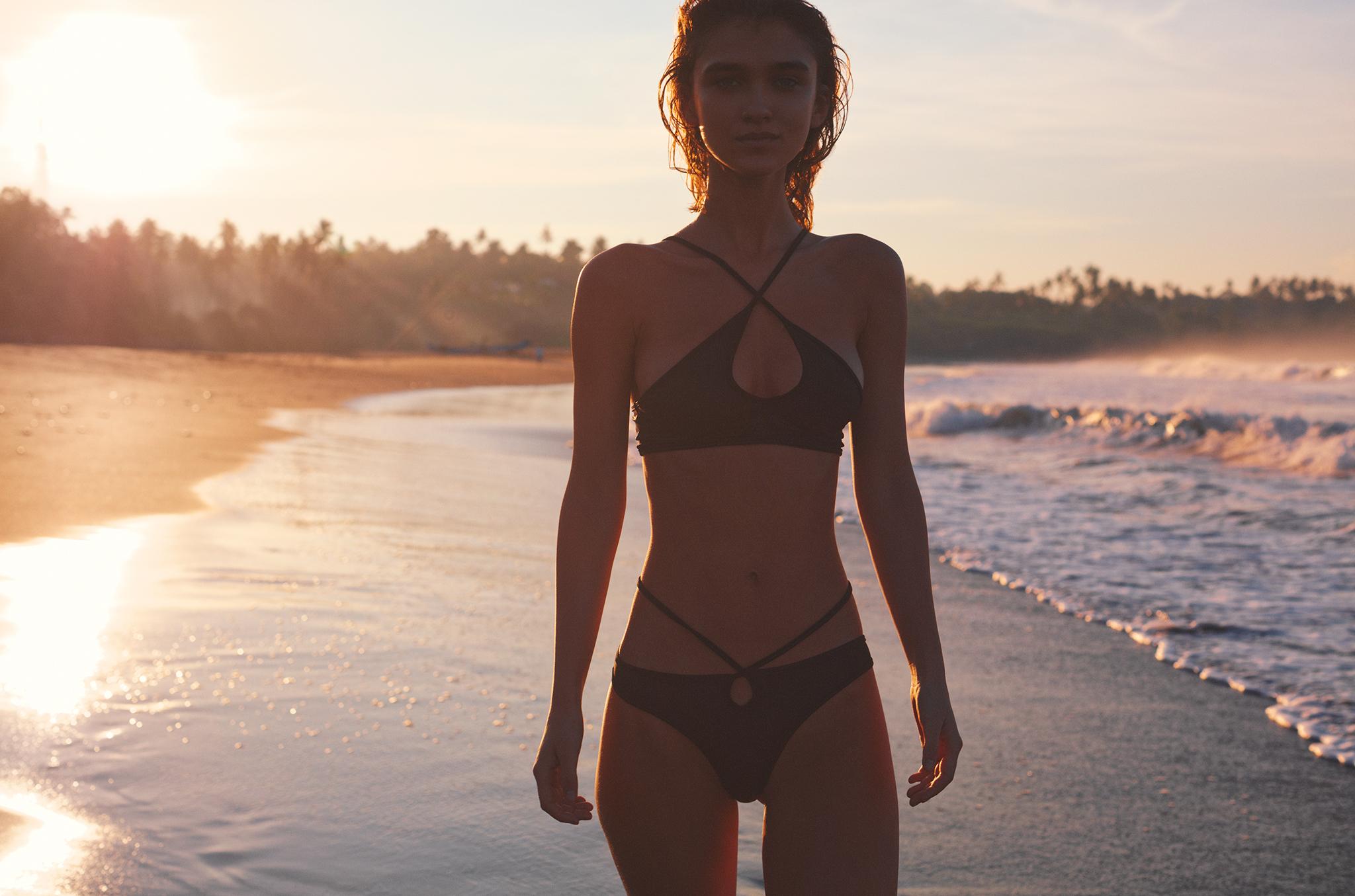 God-Save-Queens-Swimwear-SS16-16
