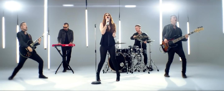 Laura-Michelle-Chuck-Norris-Video-01
