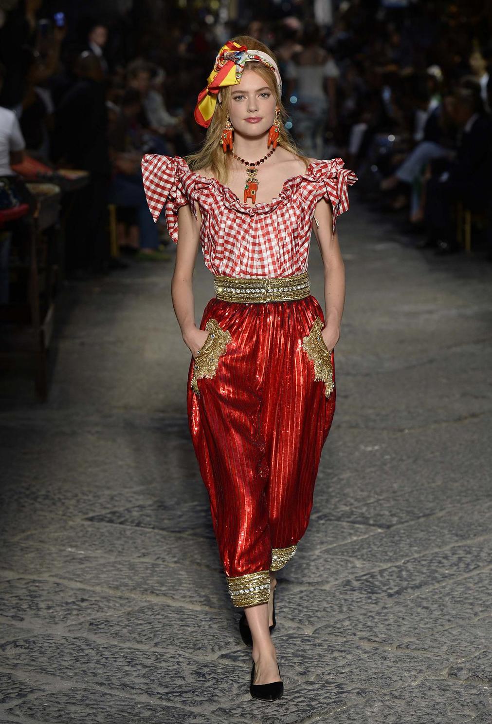 Fashion Moda Penélope Cruz In Vogue June Issue: Dolce & Gabbana Alta Moda 2016 ‹ Fashion Trendsetter