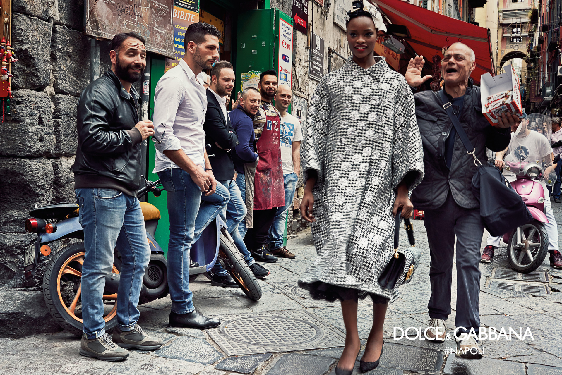 Dolce-Gabbana-Fall-Winter-2016-2017-Ad-Campaign-Naples-7