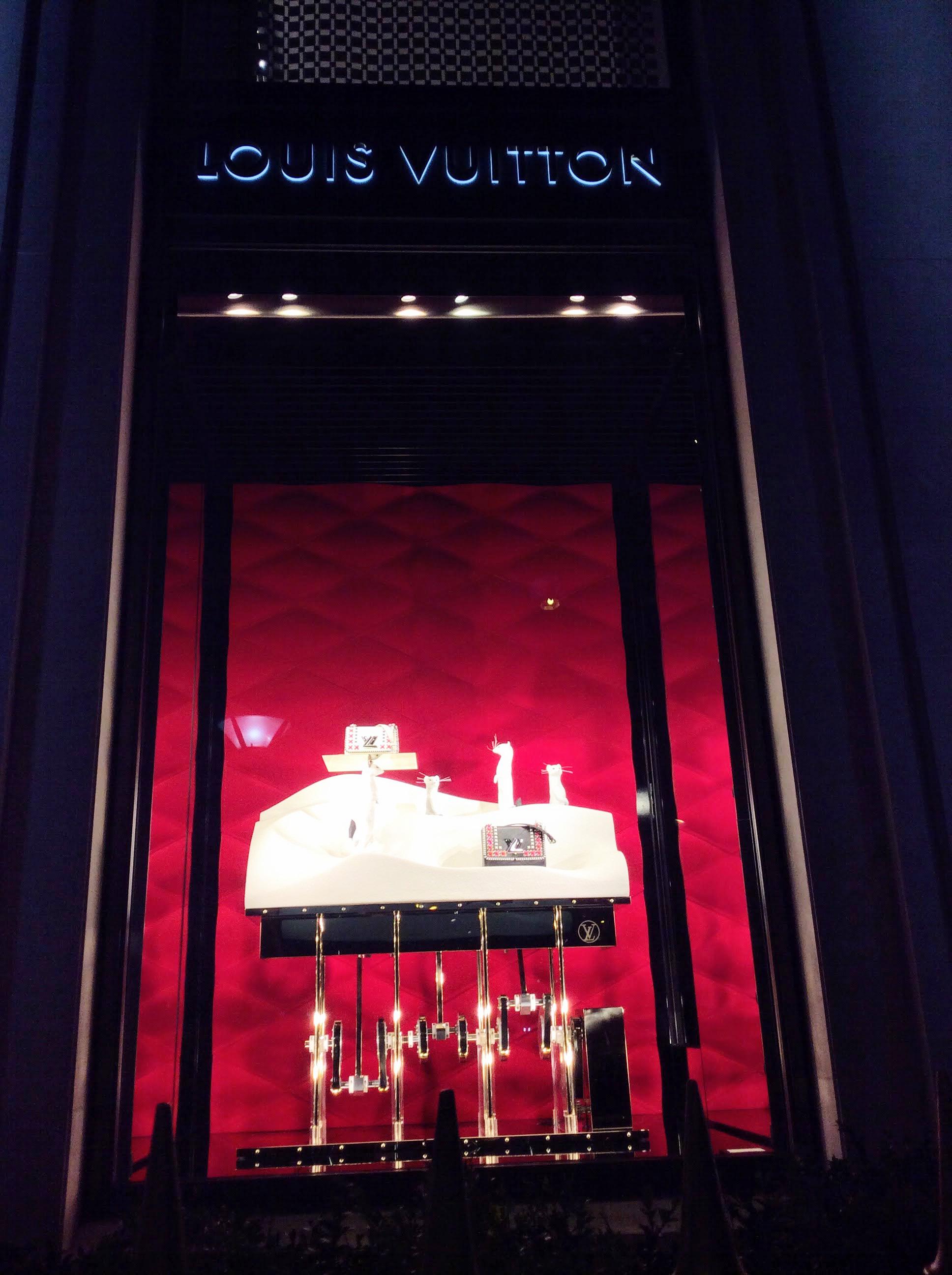 Avenue Montaigne Paris Fashion Windows - Louis Vuitton