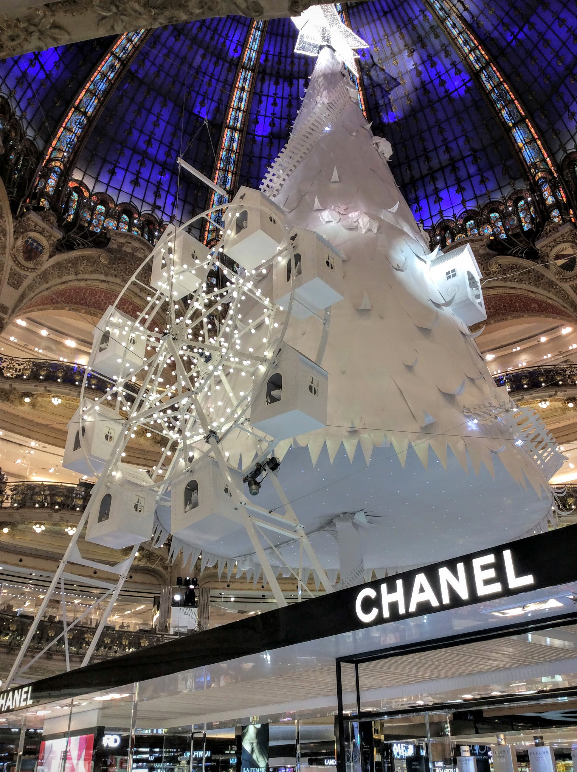 galeries-lafayette-paris-store-01