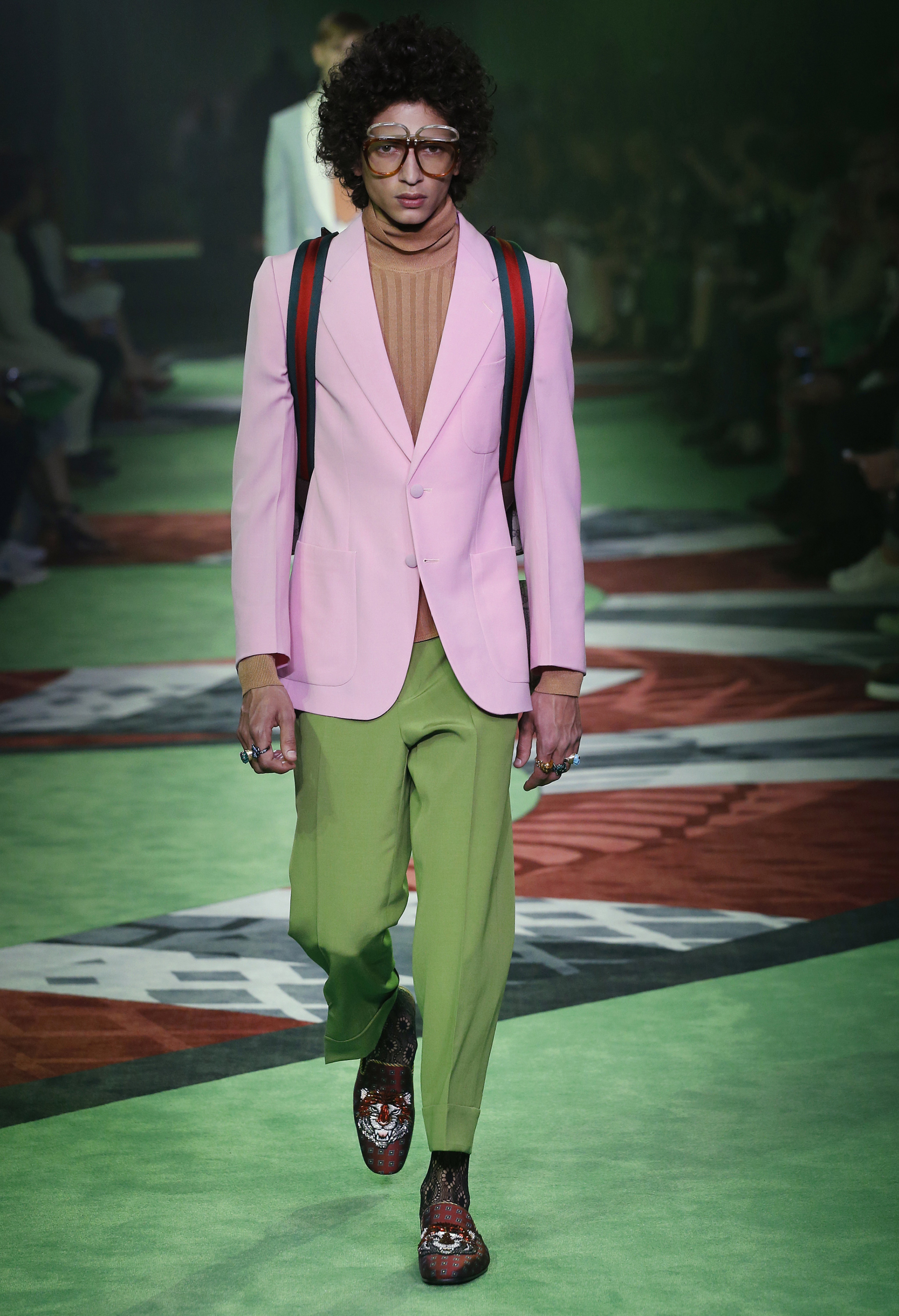 Pantone Color of the Year 2017: PANTONE 15-0343 Greenery | Menswear Gucci