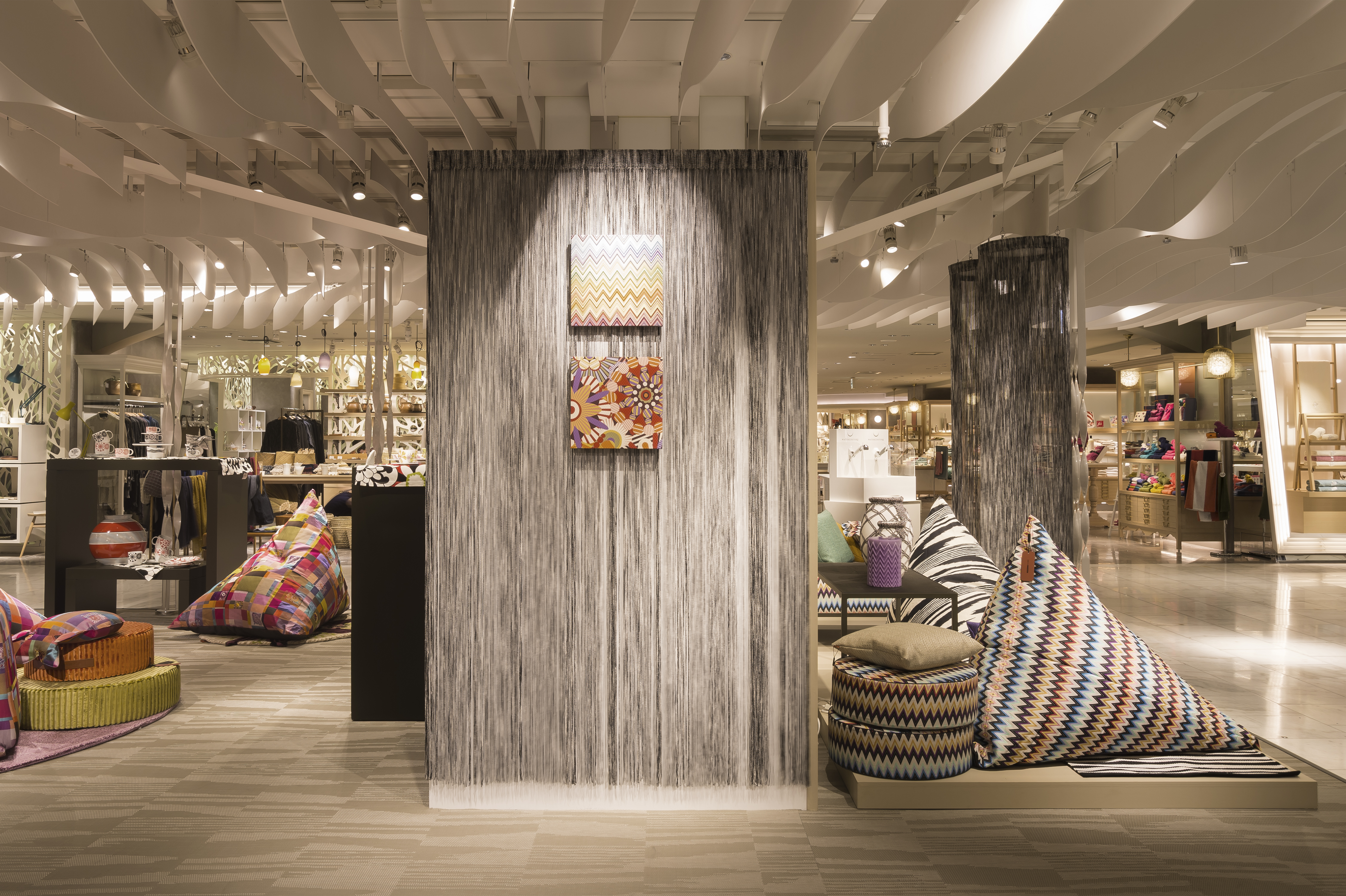 Pop Up Stores The Sq M Mac Popup Shop At Changi Airportus Budget  # Miva Diseno Muebles