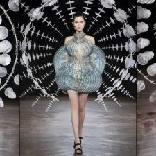 Iris van Herpen Fall 2019/2020 Couture Collection: HYPNOSIS ∞