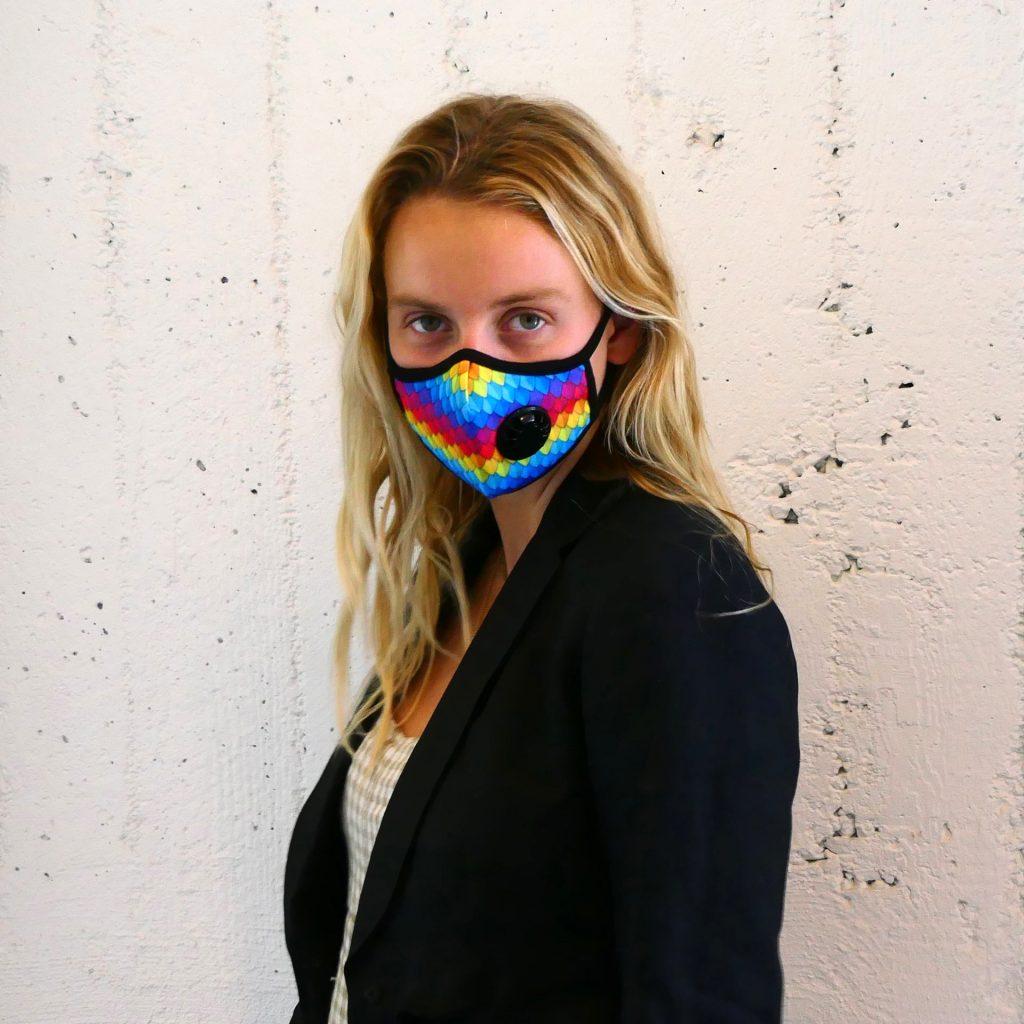 Vogmask - Parrot. Vogmask is the original stylish filtering half mask for particles.
