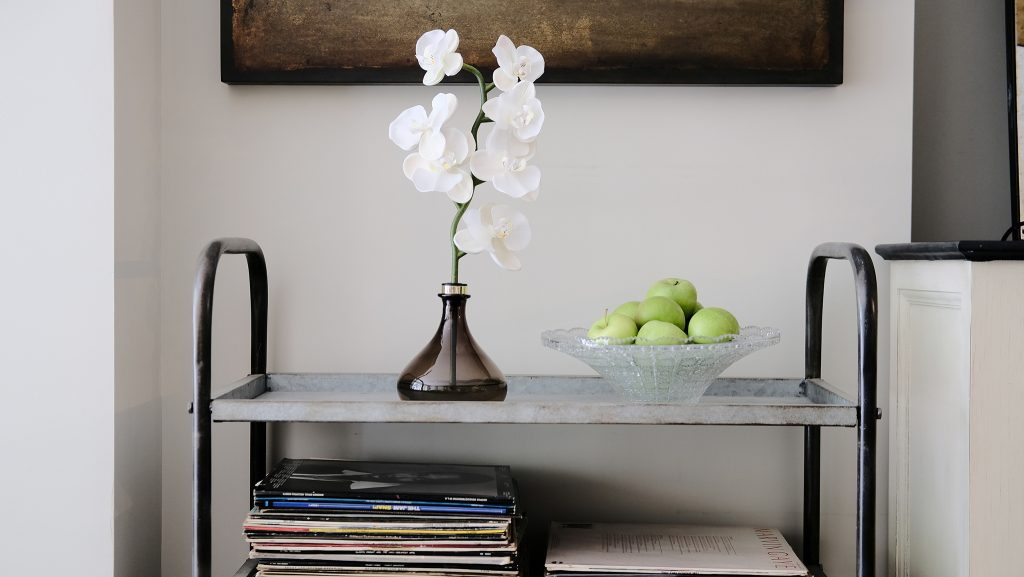 The Senti Orchid is an innovative new way to scent the home through a beautifully crafted diffuser that marries sculpture and fragrance.