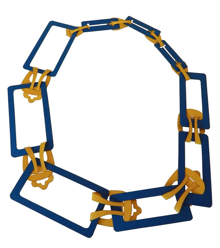 Progresso Necklace, assembled in one of the possible versions, cardboard 145 g.
