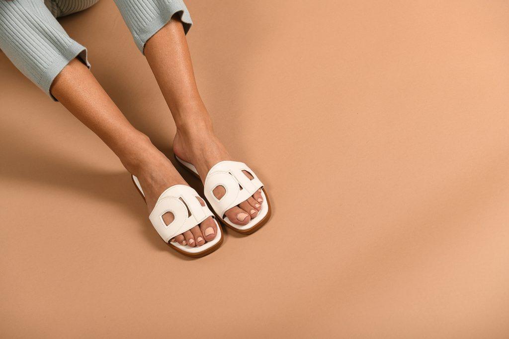 della terra Footwear. Photo by Andrew Werner.